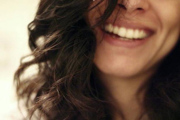 فوائد الضحك لصحة الانسان