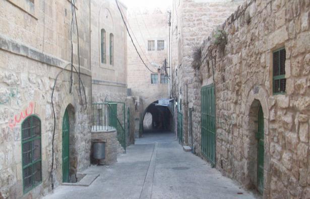 تيسير ابو سنينة للشمس: قرار بناء حي استيطاني في الخليل مرفوض لإقامته على املاك تابعة للبلدية