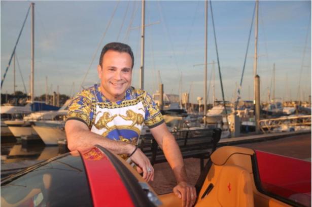 الفنان الحيفاوي خضر حداد يتألق في القاهرة ويطمح للوصول الى الخليج العربي