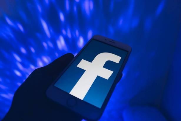 عطل مفاجئ في فيسبوك وانستجرام حسب ما أفاد مستخدمون