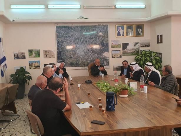 جاهة الصلح تباشر مساعيها لتهدئة الخواطر في شفاعمرو بعد جريمة مقتل عادل خطيب