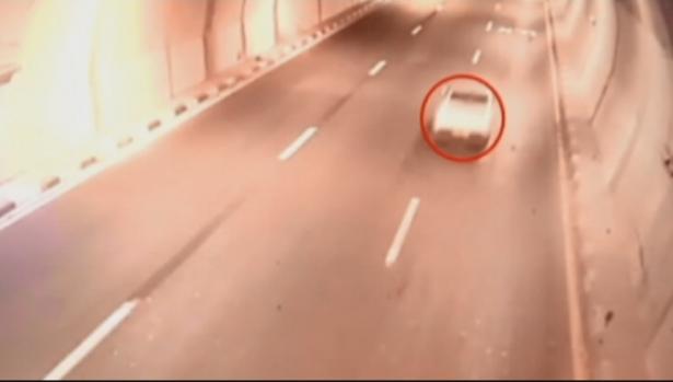 آدم الفقير يروي للشمس تفاصيل الحادثة المرعبة التي تعرض لها بعد أن فقد السيطرة على سيارته في شارع 6