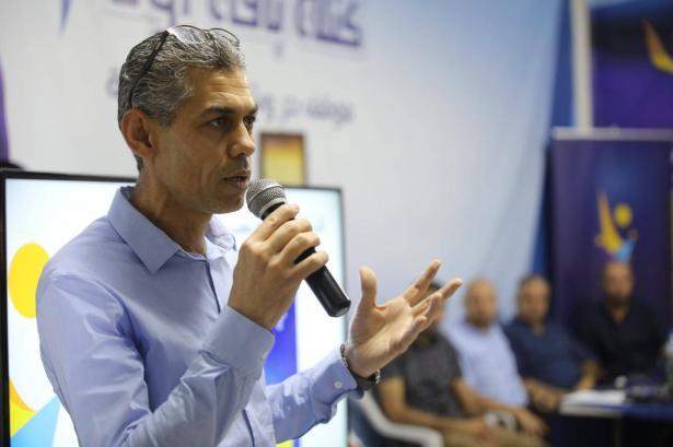 رائد دقة يفوز برئاسة بلدية باقة الغربية ويتغلب على منافسه جلال ابو حسين