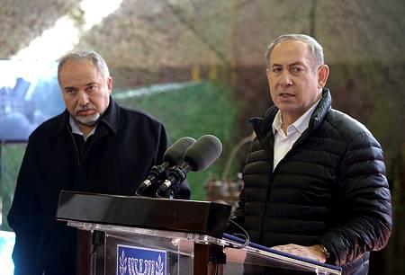 الليكود يجمع تواقيع كتل اليمين لتفويض نتنياهو بتشكيل حكومة بعد تصريحات لبرمان