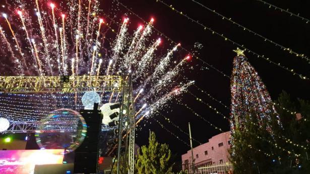 الناصرة: اضاءة شجرة الميلاد في مركز القديس انطون