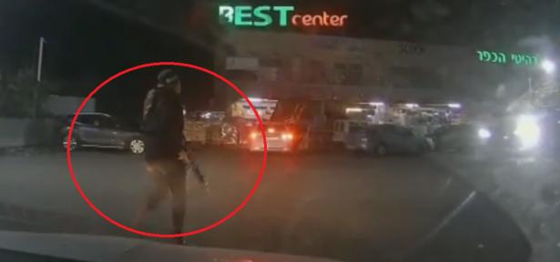 شاهد: هكذا دهس مشتبه من دير حنا شرطية وهكذا اعتقلته الشرطة