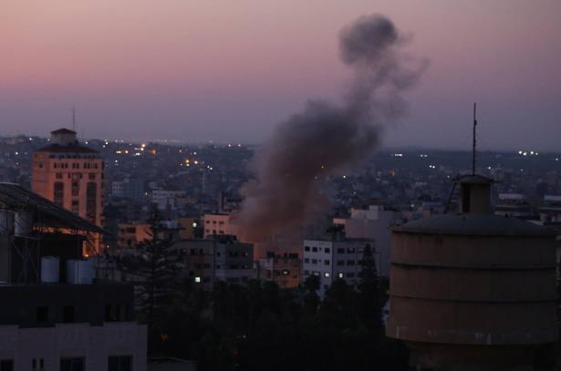 اشرف ابو عمرة يتحدث للشمس عن القصف الذي استهدف موقعًا في غزة، وقرار تقليص مساحة الصيد
