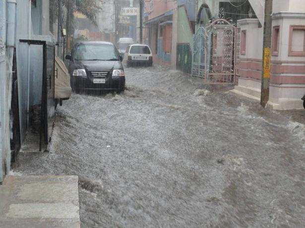 شفاعمرو: مياه الامطار تغمر أحد البيوت في وادي الصقيع