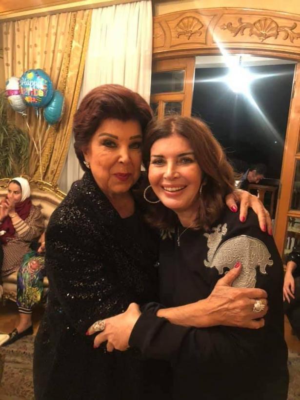 الممثلة المصرية ميرفت امين تحتفل بعيد ميلادها الـ 73