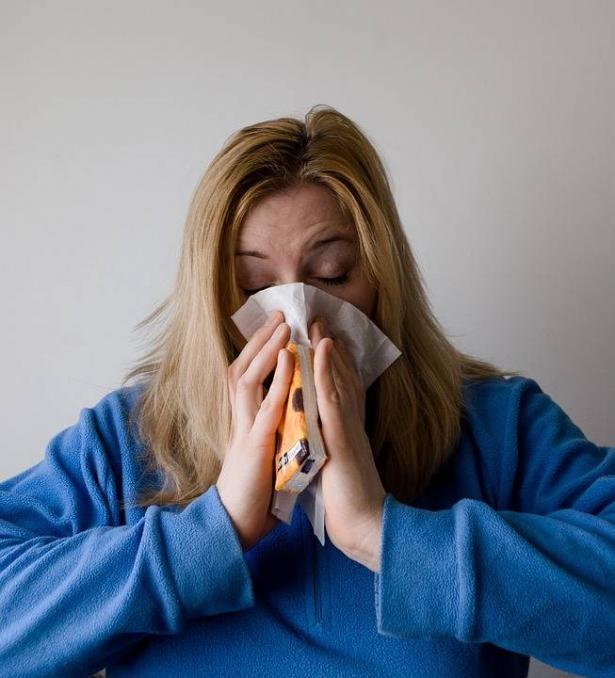 ما هو فيروس الانفلونزا وكيف ينتشر؟