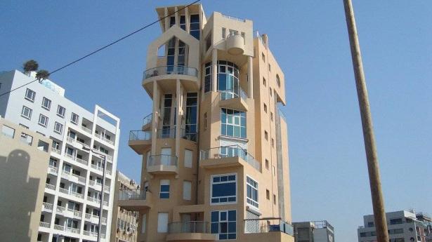 هل عالجت وزارة الإسكان ضائقة السكن وإشكالية التخطيط في المجتمع العربي وكيف؟
