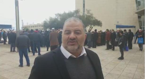 د.منصور عباس للشمس: هناك عملية رسم جديدة لحرية التعبير والعليا لم تعد الملاذ الآمن للحريات