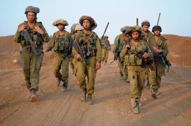 الجيش الإسرائيلي يطلق النار على فلسطينيين شمال غزة