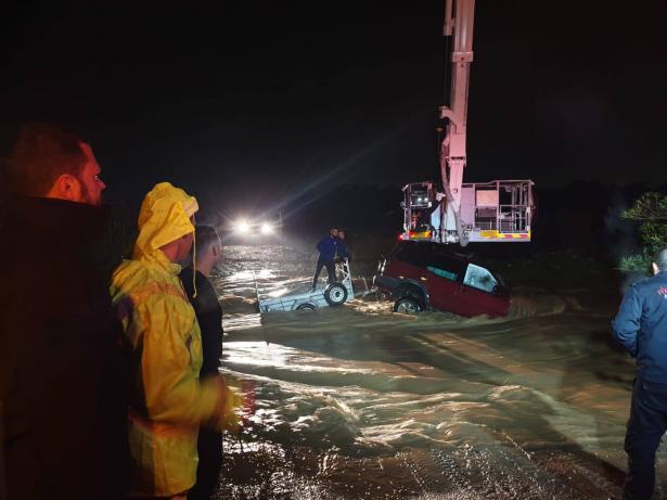 محرز ابو حسين للشمس بعد مساعدته لمواطني نهاريا خلال الفيضانات: