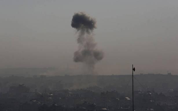 قصف متبادل بين غزة واسرائيل