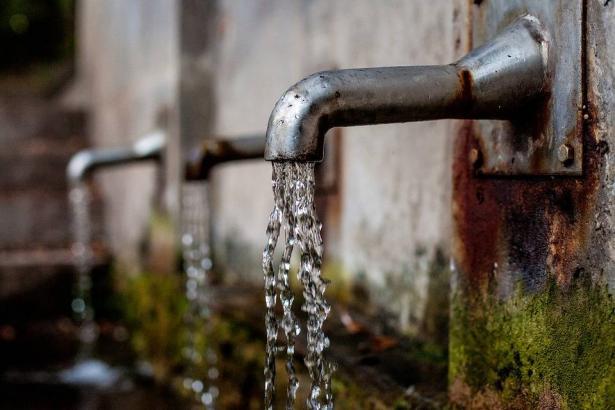 كفرمندا: القائمة المشتركة وسلطة المياه القطرية تبحث قرار الغاء مصادرة اراضي اهالي كفرمندا
