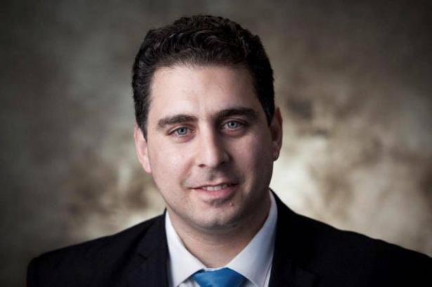 المحامي قيس ناصر يقدم التماسًا للمحكمة العليا لإبطال قانون كمنتس