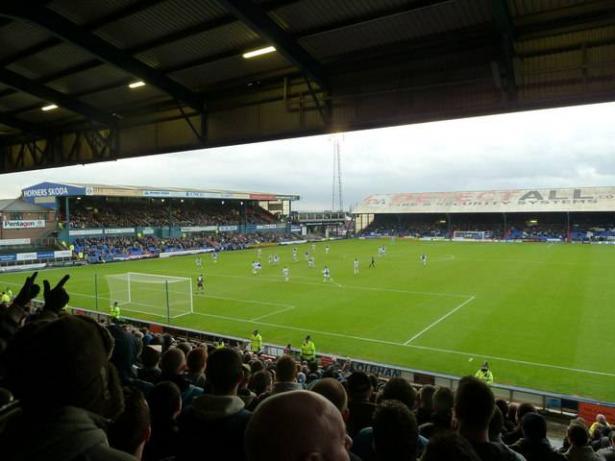 إدارة دوري كرة القدم تدرس إمكانية إلغاء او تأجيل او إقامة مباريات بدون جمهور بسبب الكورونا