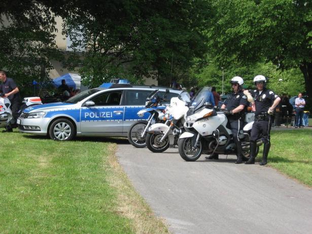 الشمس تواكب حادثة الهجوم على مقهيين في ألمانيا الذي أدى الى مقتل  9 أشخاص