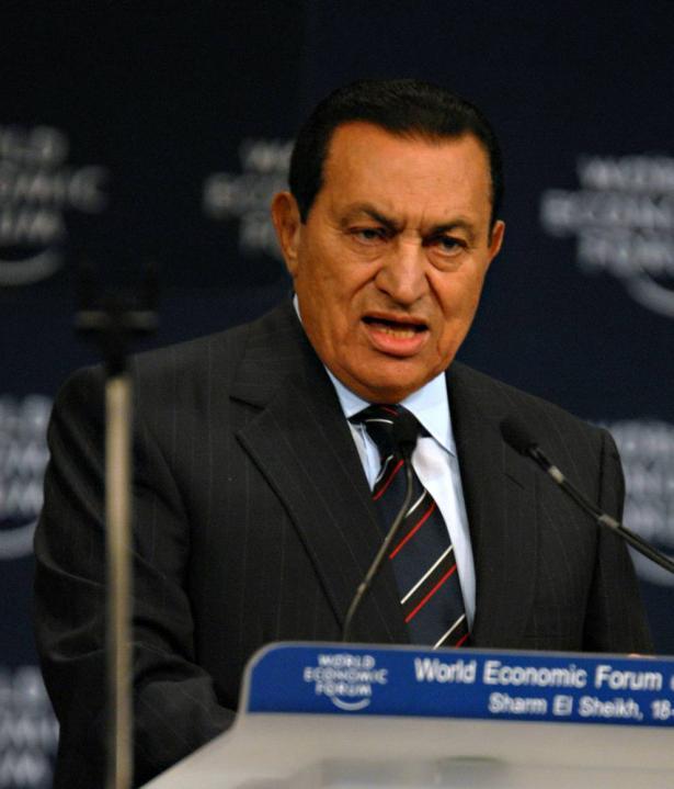 كيف سيقرأ التاريخ دور الرئيس المصري الراحل حسني مبارك