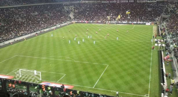 نابولي يقطع نصف الطريق نحو نهائي مسابقة كأس إيطاليا