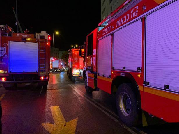 اندلاع حريق في المركز الجماهيري في يافة الناصرة