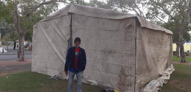 صالح ابو فارس من يافا للشمس: الخيمة التي تُؤويني مع عائلتي ستُهدم وسيكون مصيرنا في الشارع
