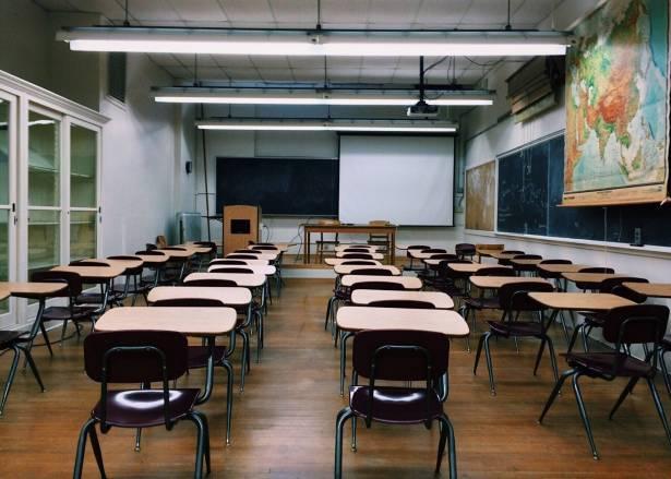 بلدية الطيرة توصي بعدم إرسال الطلاب إلى المدارس غدا