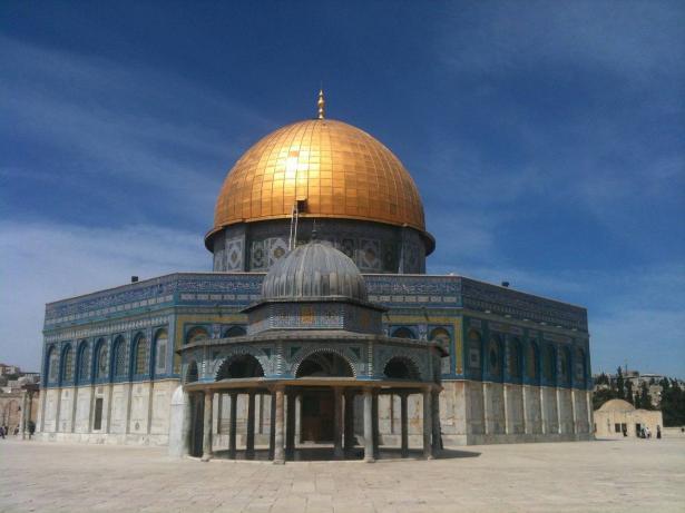 تعليق الصلاة في المسجد الأقصى بسبب الكورونا