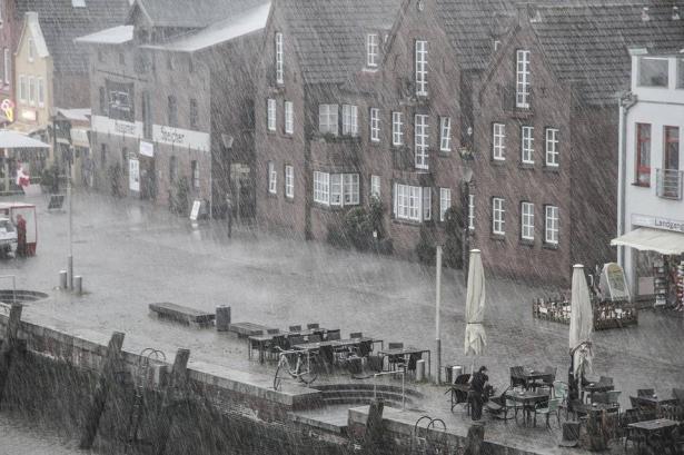 الطقس: امطار مصحوبة بعواصف رعدية