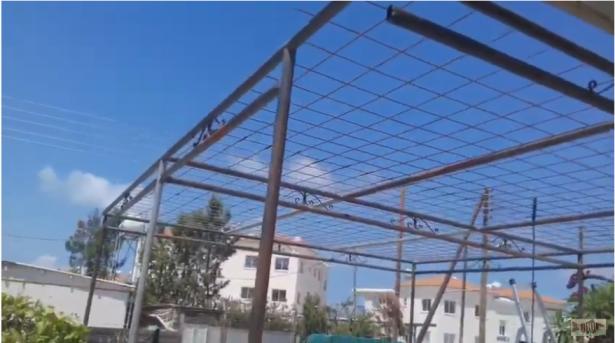 مطالبة بإعفاء المواطنين من تقديم طلب رخصة لإقامة جدران لعريشة