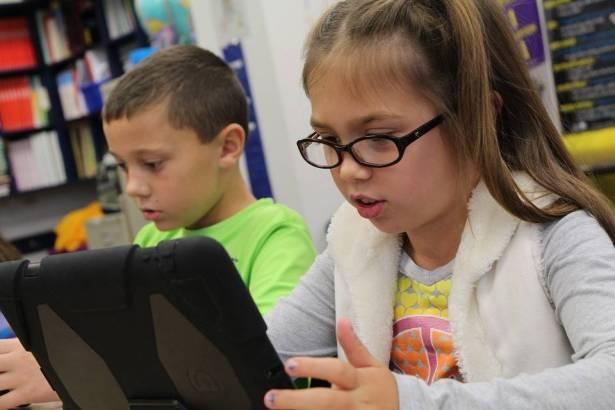 صعوبات واشكاليات يواجهها طلاب النقب في  تطبيق نظام التعلم عن بعد