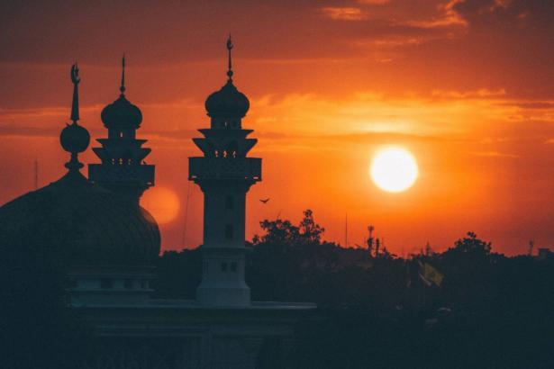 ليلة النصف من شعبان   حديث للشمس مع الشيخ محمود ياسين التهامي، نقيب المنشدين في مصر