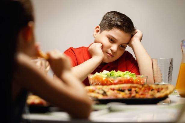 توصيات لمنع السمنة لدى الأطفال بسبب إجازة الكورونا