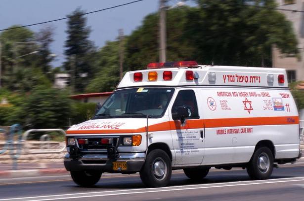 طمرة : اصابة عدة اشخاص مساء امس في حادث طرق