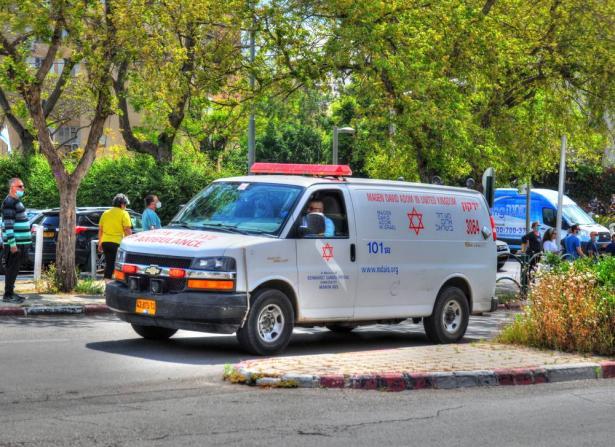 حادث طرق مروع بين حافلة ركاب وجيب وقع صباح اليوم عند مفرق عين جيف قرب بحيرة طبريا
