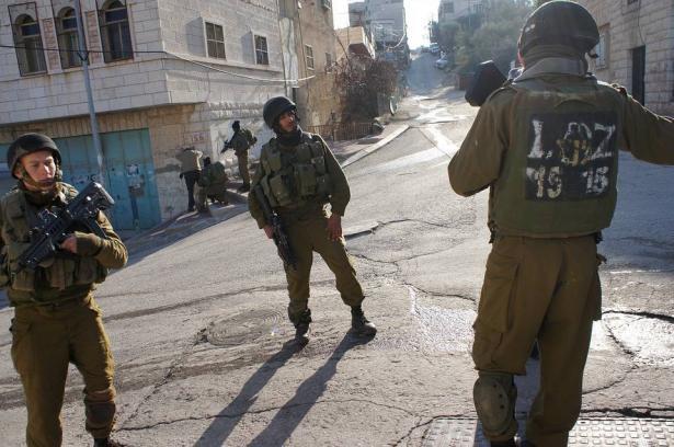 اصابة 5 فلسطينيين بالرصاص المعدني المغلف بالمطاط من بينهم ثلاثة صحفيين خلال مسيرة كفر قدوم الأسبوعية