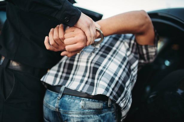 الطيرة: اعتقال 4 شبان بشبهة الإعتداء على امام مسجد