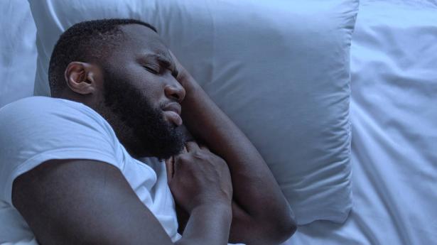 الكوابيس خلال النوم..الأسباب وكيفية التخلص