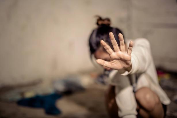 تهجم وتهديد بالاغتصاب تتعرض لها نسويات ينشطن بمواجهة العنف ضد النساء