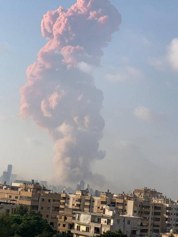 مصادر لبنانية: الانفجار ناجم عن انفجار مستودع يحتوي على 2700 طن من نترات الأمونيوم