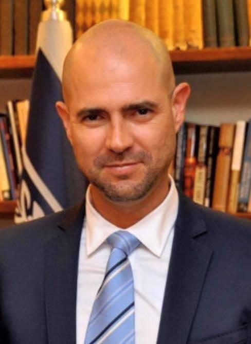 أمير أوحانا يعلن عن نيته في الاستقالة من الكنيست