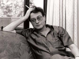 الذكرى الـ 12 على رحيل الشاعر الكبير محمود درويش