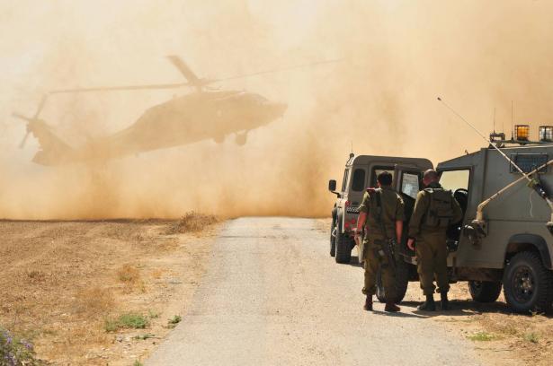 طائرات اسرائيلية تقصف أرضا زراعية بمحيط مطار غزة
