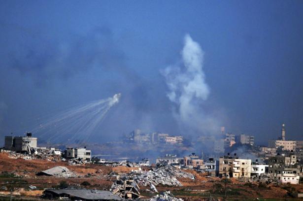 غارات جوية تستهدف مواقع المقاومة التابعة لحركة حماس في غزة