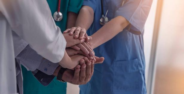 إضراب مفتوح للممرضات والممرضين بسبب الظروف التشغيلية