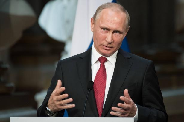 الرئيس الروسي بوتين يعلن تطوير بلاده لأول لقاح لمواجهة فيروس كورونا