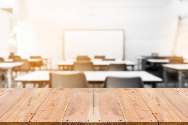 ناحوم بلاس ، رئيس برنامج سياسة التعليم في مركز تاو:  توظيف عشرة آلاف معلم في الشهر غير واقعية