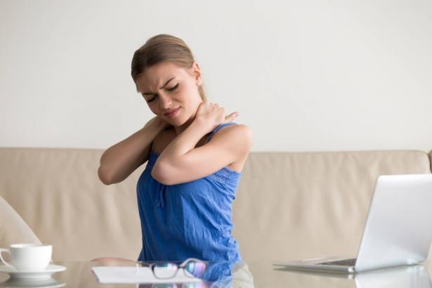 تأثير الجلوس لمدة طويلة على عضلات الجسم