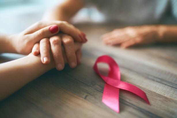 في شهر التوعية بسرطان الثدي: ايمان عودة عابد تتحدث عن تجربتها للشمس
